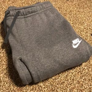NWOT Men's Nike sweatpants!!!
